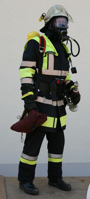 Schutzanzüge und Uniformen